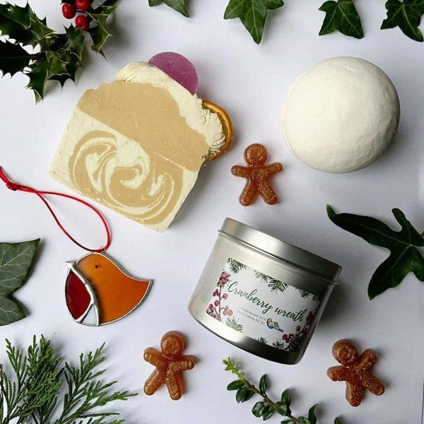 Christmas box 1 gingerbread bath bomb eco candle soap