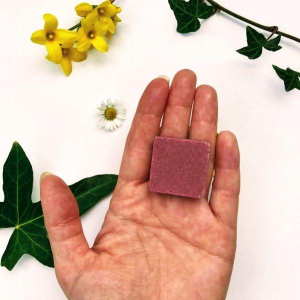 Solid vegan exfoliator cubes