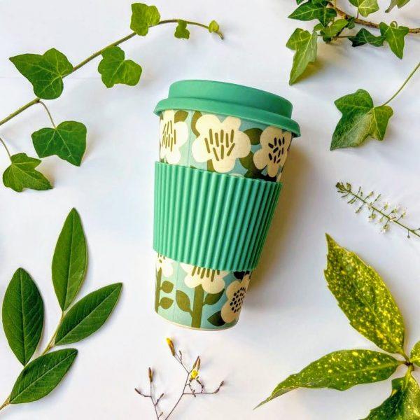 Retro flowers bamboo travel mug
