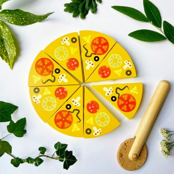 Wooden toy pizza and cutter